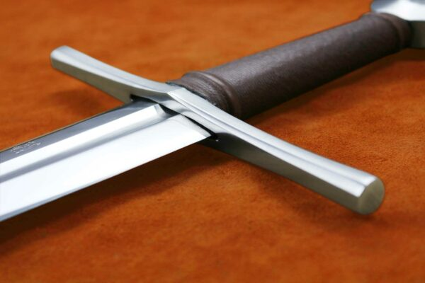 the-duke-medieval-sword-weapon-darksword-armory-3