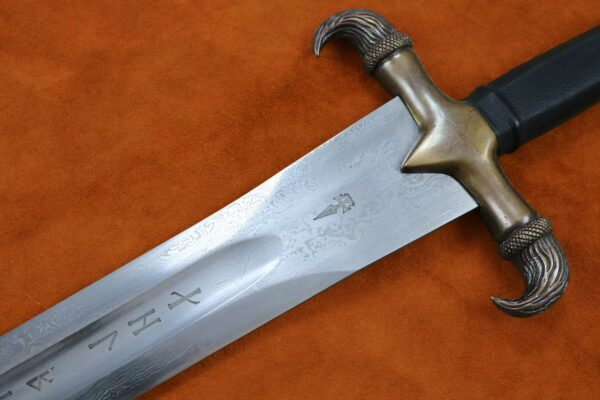 erland-sword-folded-steel-blade-forged-sword-medieval-weapon-darksword-armory-2