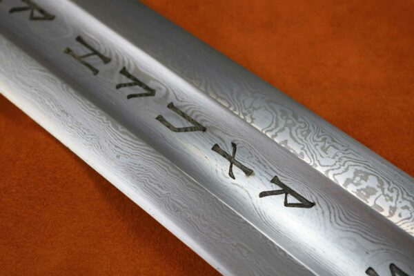 erland-sword-folded-steel-blade-forged-sword-medieval-weapon-darksword-armory-6