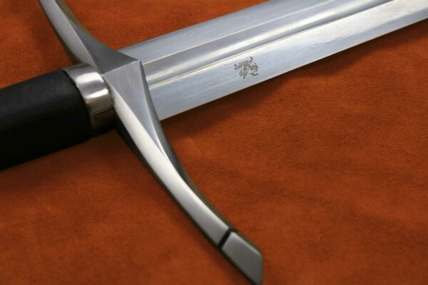 folded-steel-ranger-sword-medieval-weapon-darksword-armory-9