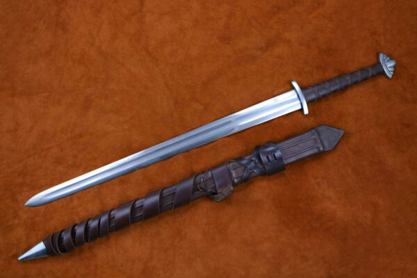 guardlan-two-handed-viking-sword-medieval-weapon-darksword-armory-1