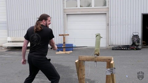 skallagrim-youtube-reviewer-image-with-oslo-viking-sword-destruction-test-session-1
