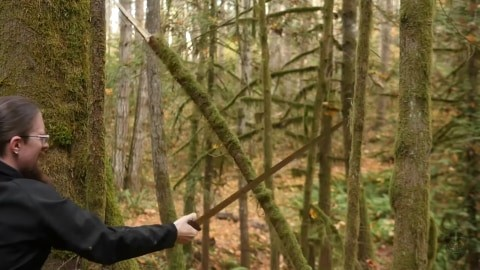 skallagrim-youtube-reviewer-image-with-oslo-viking-sword-destruction-test-session-2