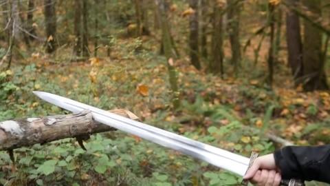 skallagrim-youtube-reviewer-image-with-oslo-viking-sword-destruction-test-session-3