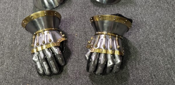 (SALE) Black Prince Gauntlets & couters